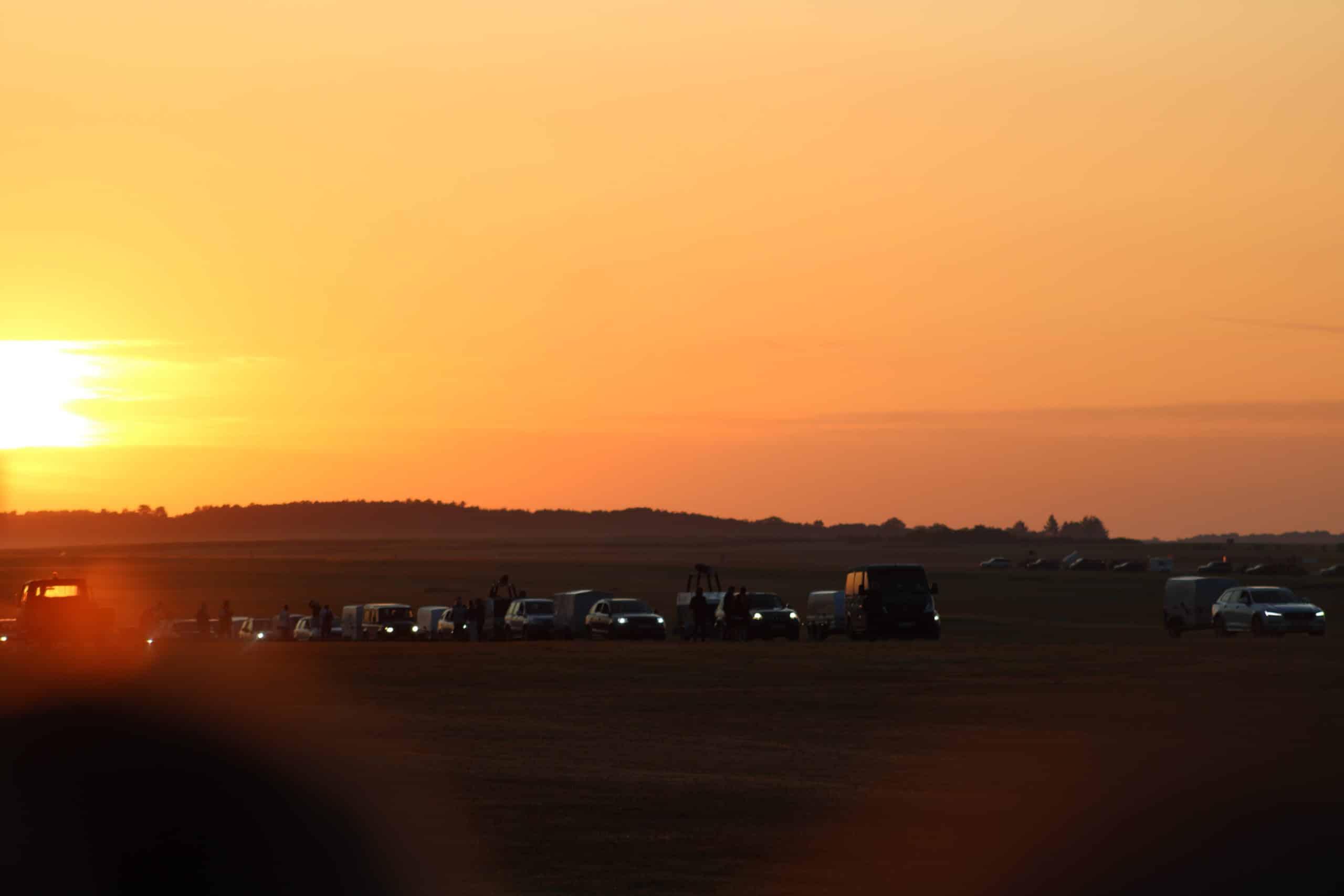 arrivée des équipages de montgolfières. Chambley 2019