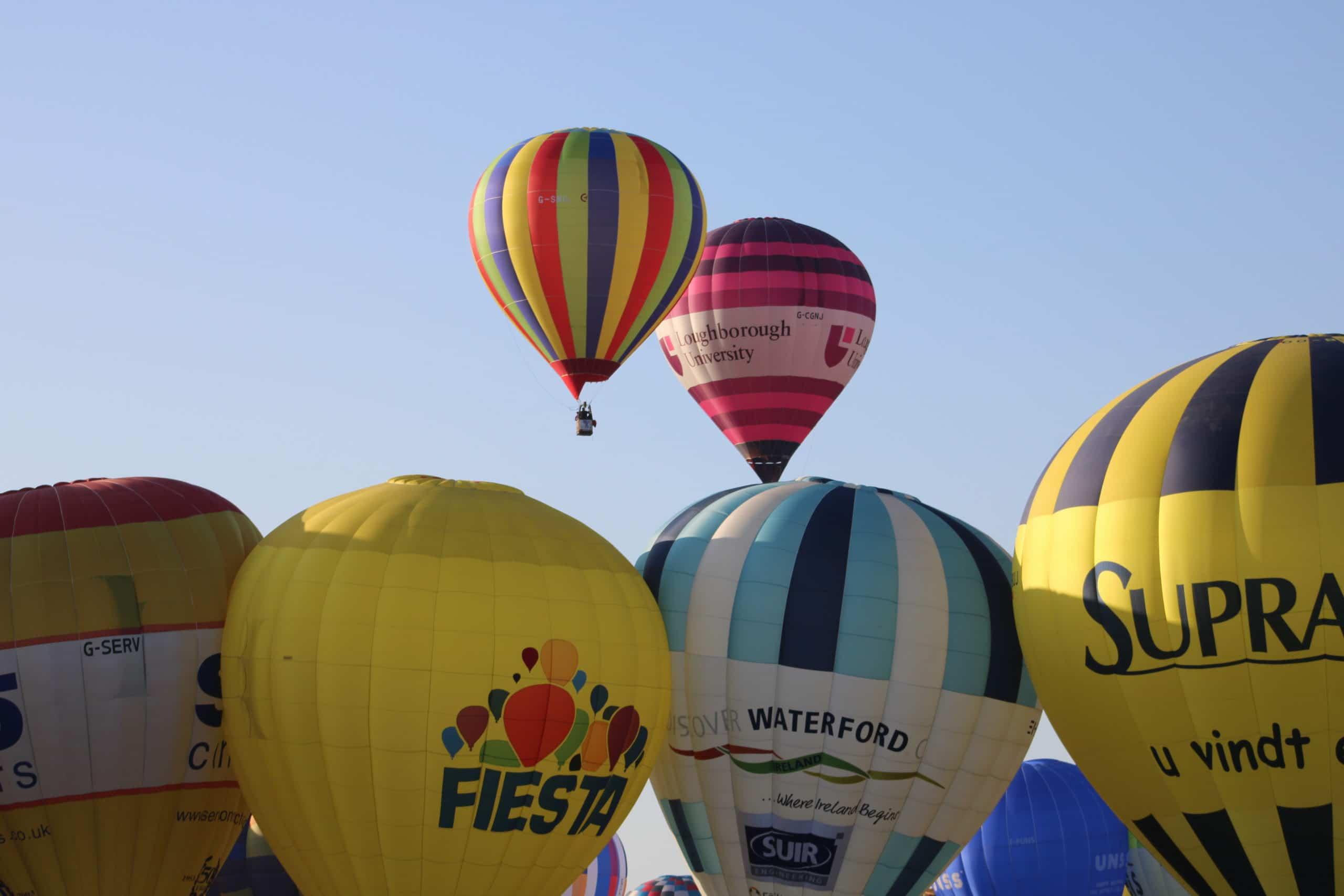 Premières montgolfières à s'envoler. Chambley 2019