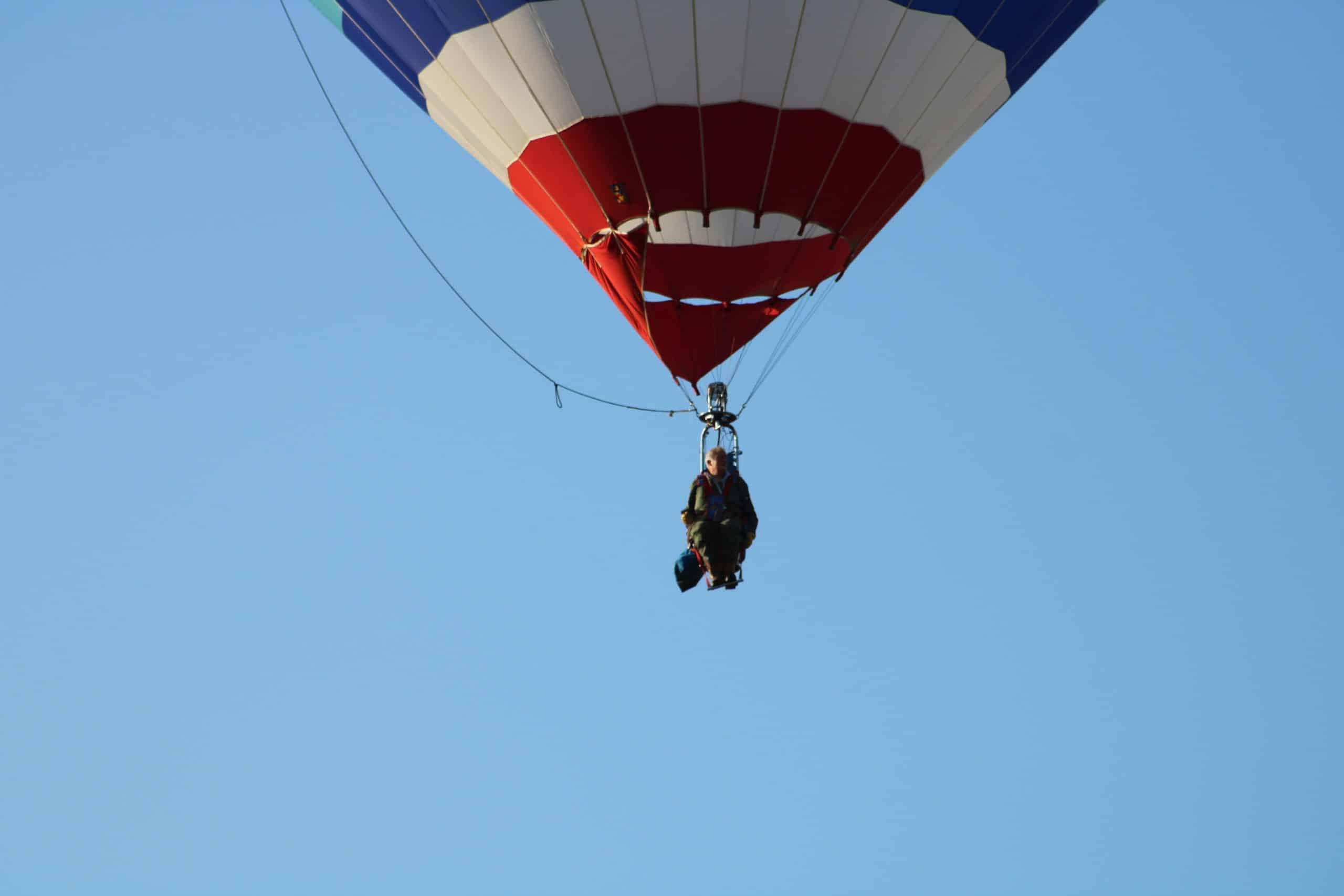 Envol d'une montgolfière mono place. Chambley2019