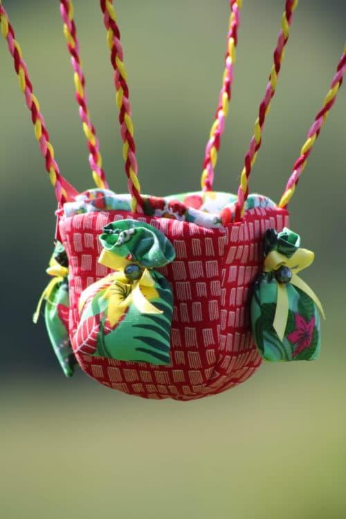 Nacelle en tissu pour une montgolfière de décoration. Atelier créatif à Villefranque (64)